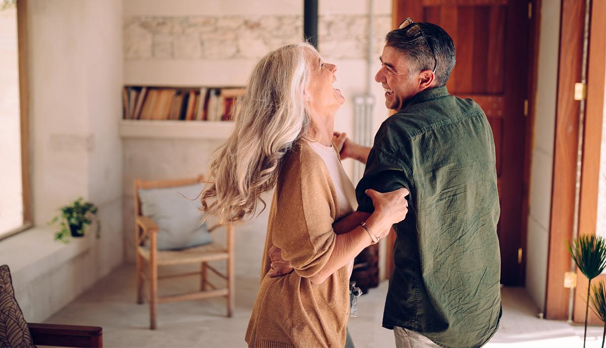 Hai più di 60 anni? Il tuo (nuovo) partner potrebbe essere dietro l'angolo.